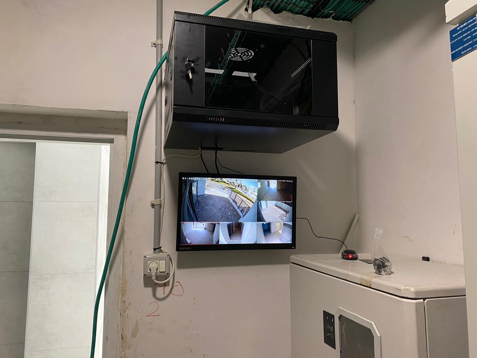 התקנת מצלמות אבטחה בביניין משותף